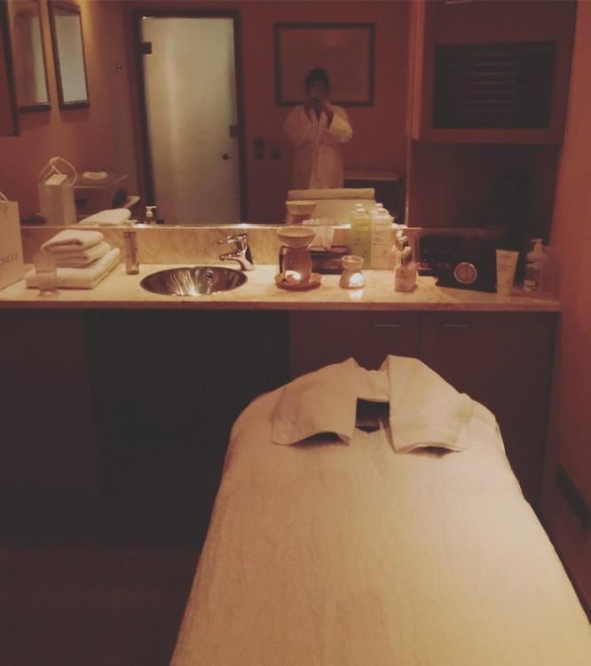 Μία ώρα αργότερα και βρίσκομαι στην καμπίνα μου για το απολαυστικό Massage που θα ολοκληρώσει το καλύτερο δώρο που μπορούσα να κάνω στον εαυτό μου μετά από τόσες εβδομάδες κούρασης και άγχους...