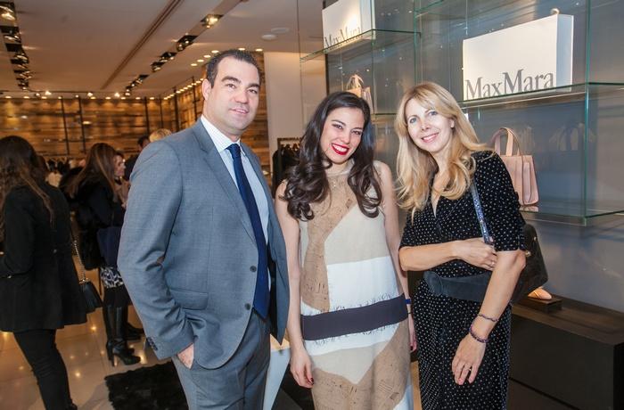 """Ο Αντώνης Τσαβδάρογλου, η Ανθή Τσαβδάρογλου με Max Mara """"Monopolis!"""" outfit και η Γαλάτεια Λασκαράκη"""