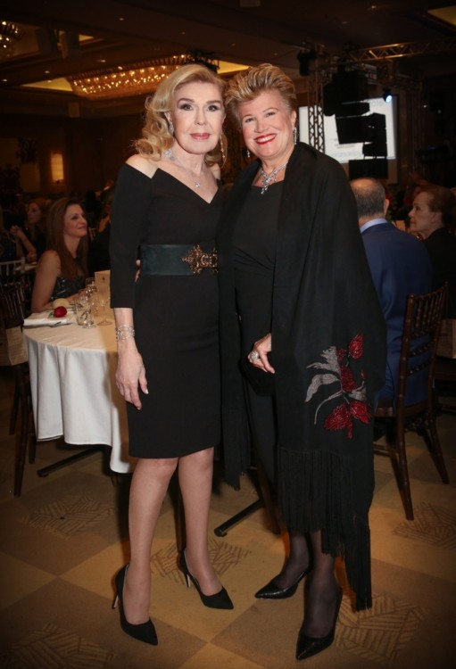 Η σύζυγος του Προέδρου της Δημοκρατίας της Κύπρου κ. Άντρη Αναστασιάδη και η κ. Μαριάννα Β. Βαρδινογιάννη.