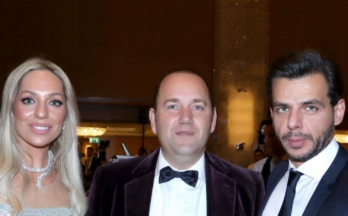 Ο Χορηγός της βραδιάς Αλέξανδρος Πρίνος με το ζεύγος Βασίλη και Ρόη Αποστολοπούλου