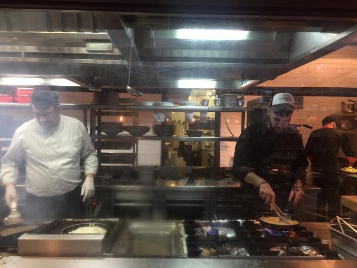 Στη La Pasteria ζούμε την απόλυτη Ιταλική εμπειρία, με τους Chef να ετοιμάζουν στην open kitchen ιταλικές συνταγές...