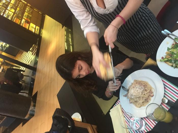Με ελαφρυά κρέμα και τραγανό μπέικον, συνδυασμένα με τα ζυμαρικά της επιλογής της....
