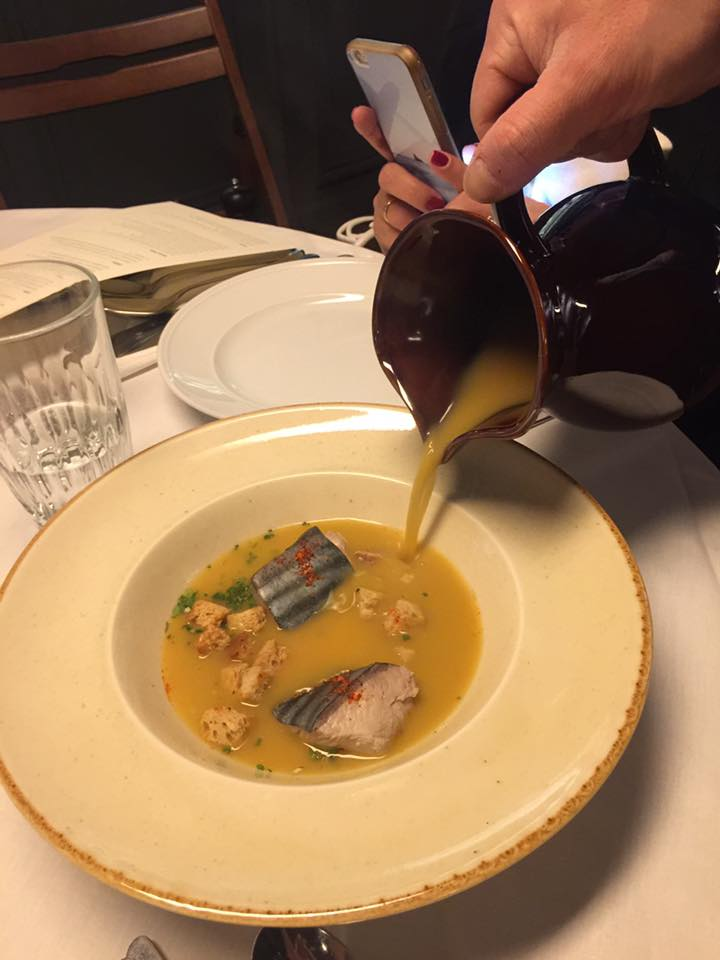 Η ψαρόσουπα από ροφό με την κλασική rouille..