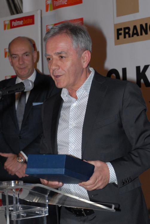 """O κος Γιάννης Αλεξίου, πρόεδρος & ιδρυτής της εταιρείας παρέλαβε το βραβείο """"Be spoken franchisor"""""""