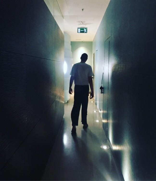 Aκολουθώ τον Θεραπευτή μου, τον Στέλιο, ο οποίος θεωρείται και ο κορυφαίος στο ila Kundalini Back Treatment...