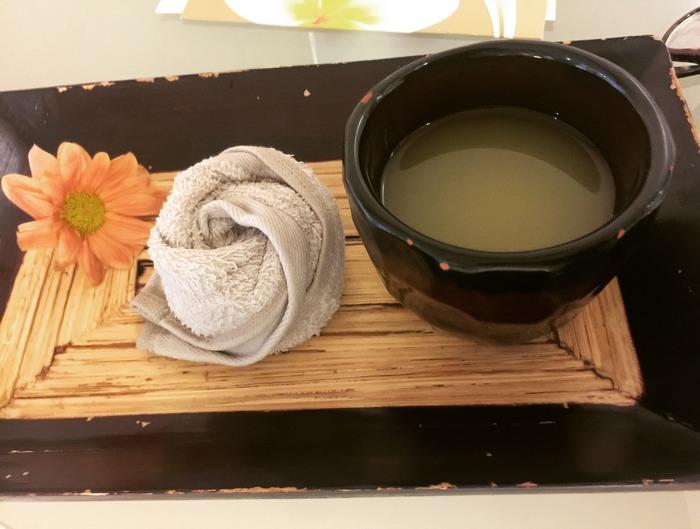 Η καθιερωμένη υποδοχή στο Asian Spa γίνεται πάντα με ένα κρύο ρόφημα με ginger, lime και μέλι, και μία ζεστή πετσέτα αρωματισμένη με μέντα...
