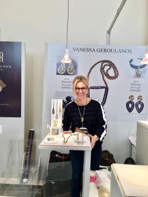 Η Βανέσσα Γερουλάνου συμμετέχει με τον Οίκο Vanile on the Rock στον ετήσιο θεσμό A Jewel Made in Greece, που προβάλλει το Ελληνικό κόσμημα παγκοσμίως.