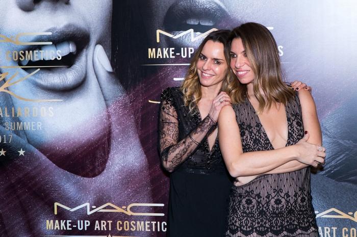 Η Κατερίνα Κιάσσου, Brand Manager MAC και η Έλια Κεντρωτά, PR & Communications Manager MAC Greece & Balkans.